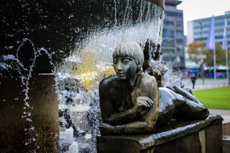 KaDeWe fountains, can't get enough of (photo) playing water